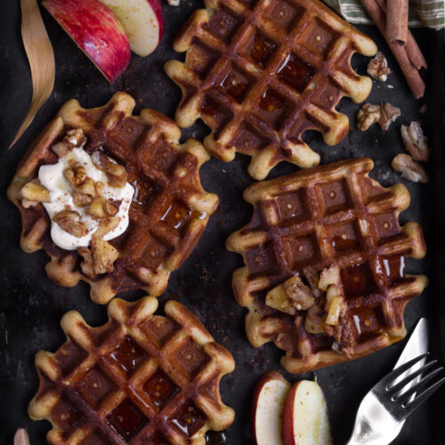 Apple Cinnamon Buckwheat Waffles | easy glutenfree recipe