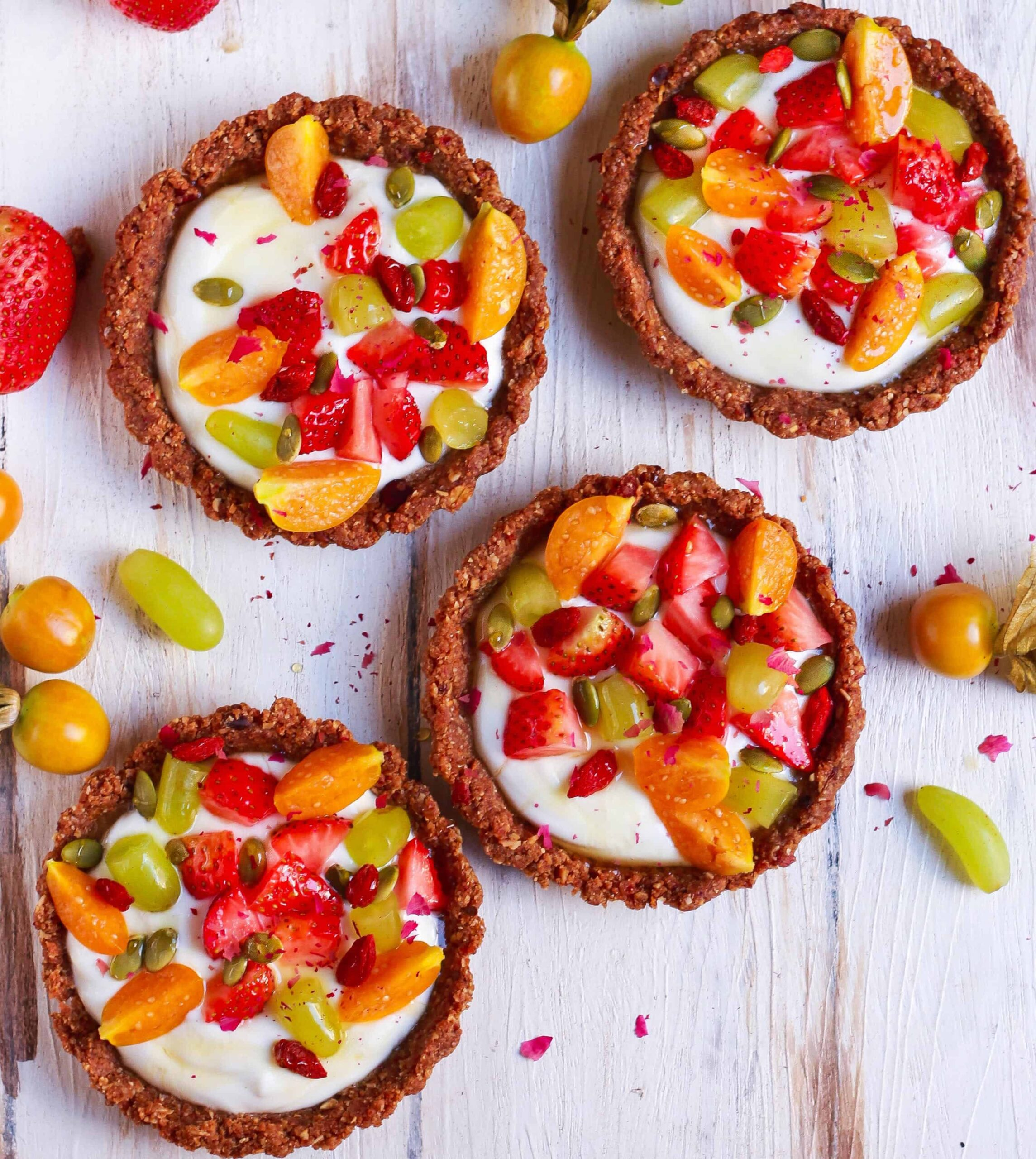 Breakfast Granola Tarts easy no bake healthy recipe vegetarian vegan friendly