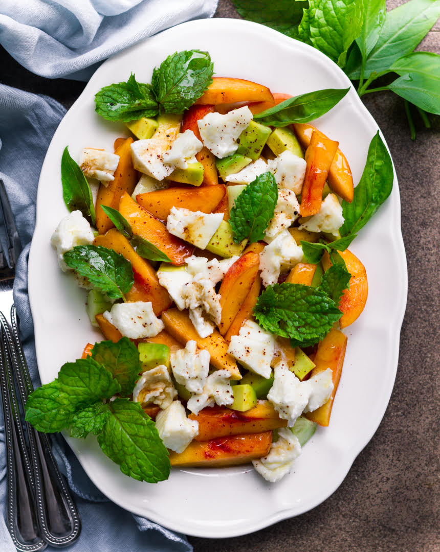 Peach Mozzarella Salad | Easy Summer Salad
