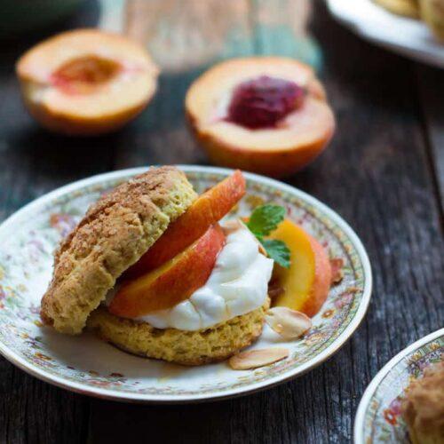 Peach Shortcake | Easy eggless shortcake recipe