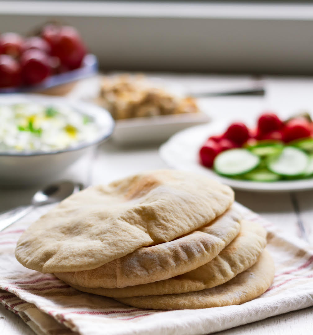 Homemade Pita Bread | Easy pita recipe