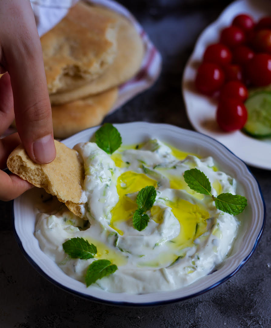 Tzatziki | Easy homemade Greek cucumber yogurt sauce
