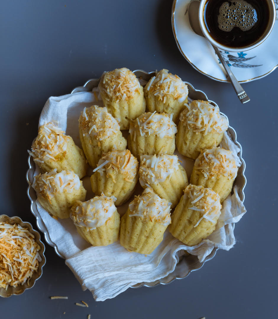 Coconut Ginger Madeleines | Easy vegen coconut madeleines recipe