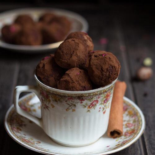 Chai Spiced Chocolate Truffles | Easy Chocolate Truffles Recipe