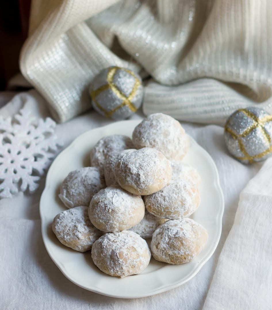 Mexican Wedding Cookies | Easy eggless Holiday cookie recipe