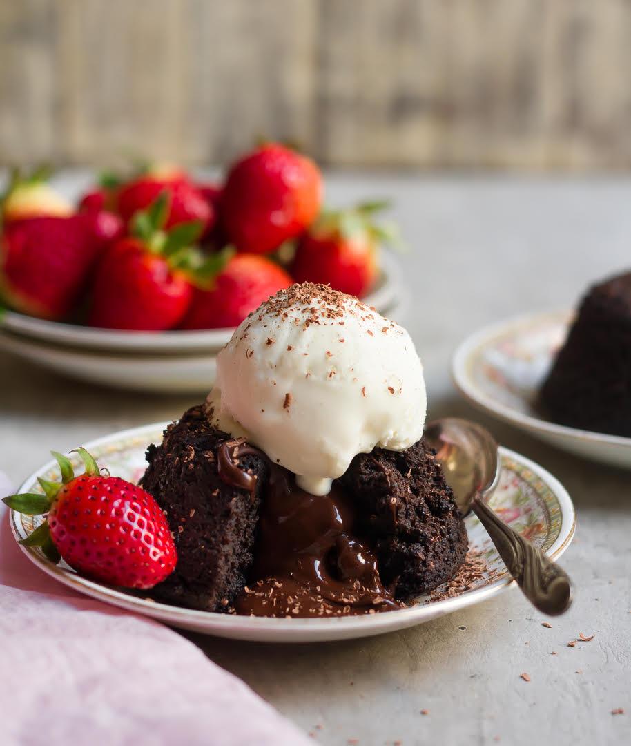 Chocolate Lava Cake | Eggless Molten Chocolate Cake