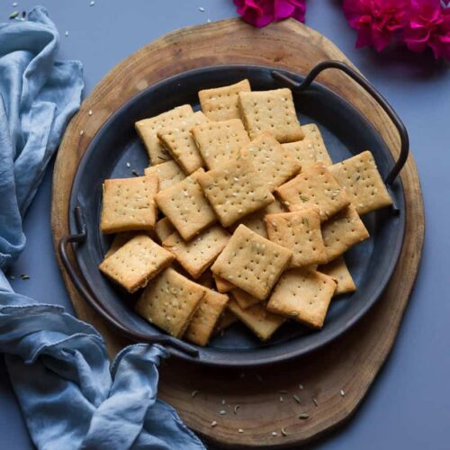 Sweet Mathri Recipe | easy baked meethi mathri with jaggery